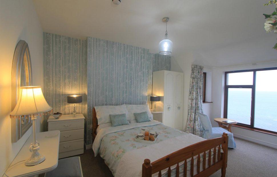 Largy Coastal Apartments - Bedroom