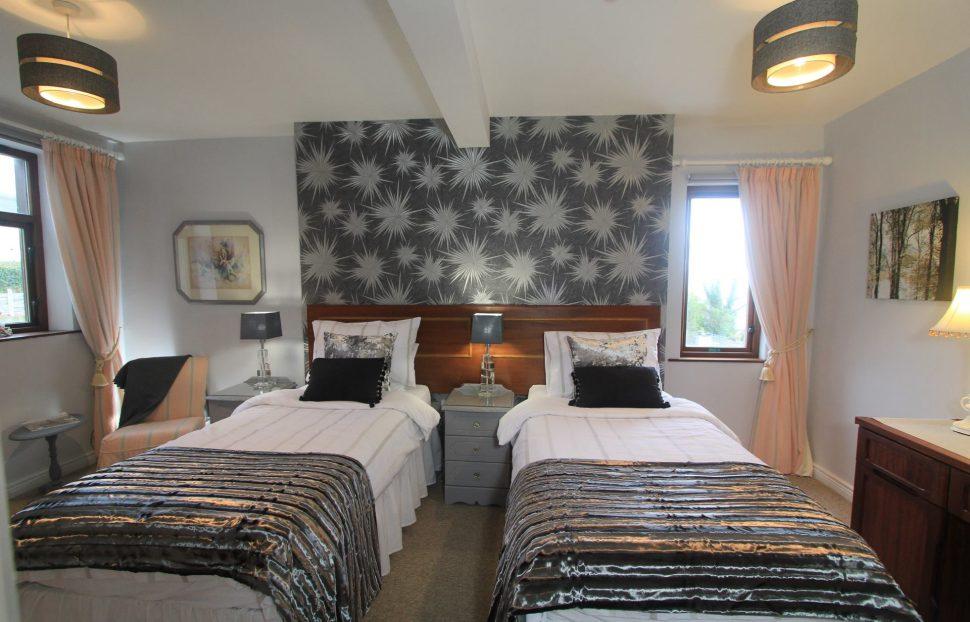 Largy Coastal Apartments - single bedroom